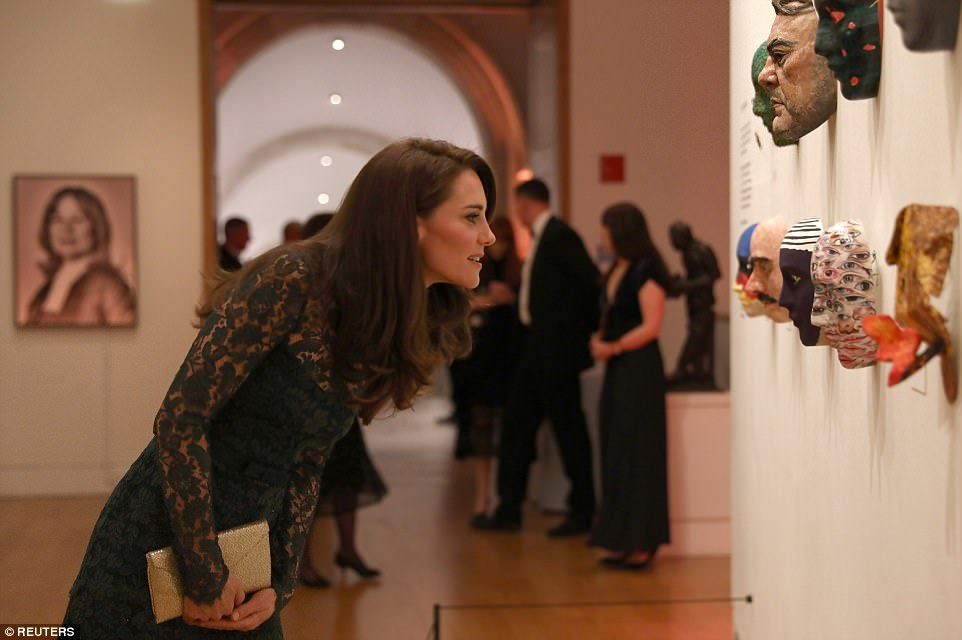 Гала вечер  Кејт Мидлтон во совршен фустан од зелена тантела