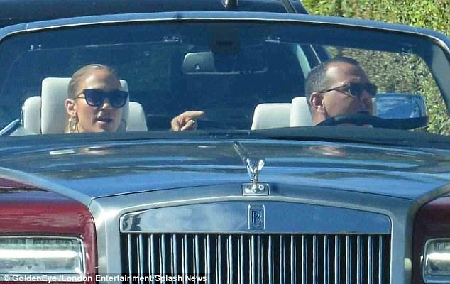 Џенифер Лопез го паркираше автомобилот на место за инвалиди